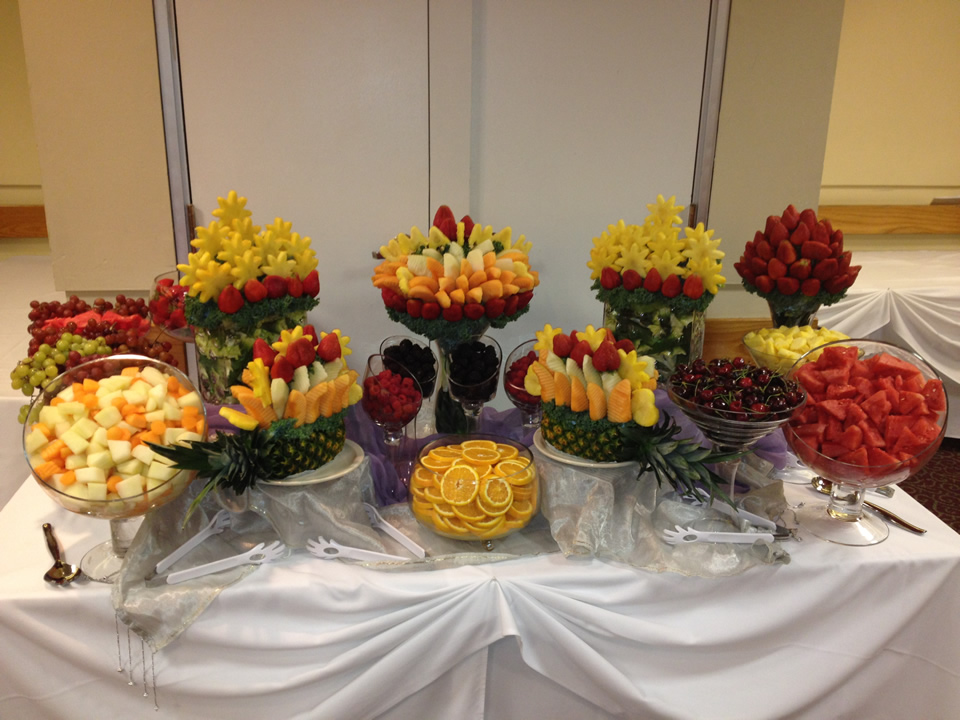 Fruit buffets fruit buffet edible fruit - Buffet dekorieren ...
